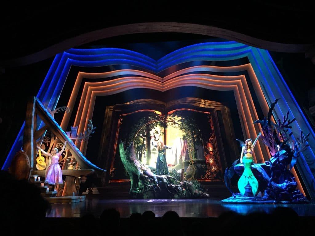 Mickey & the Wondrous Book scène de princesses Disney Hong Kong Disneyland