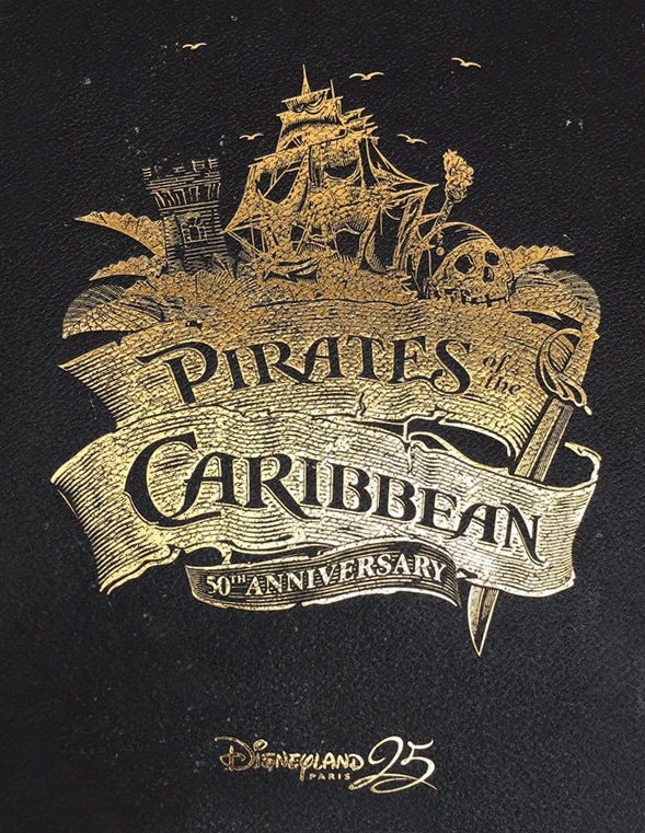 Livre Pirates of the Caribbean Disneyland Paris