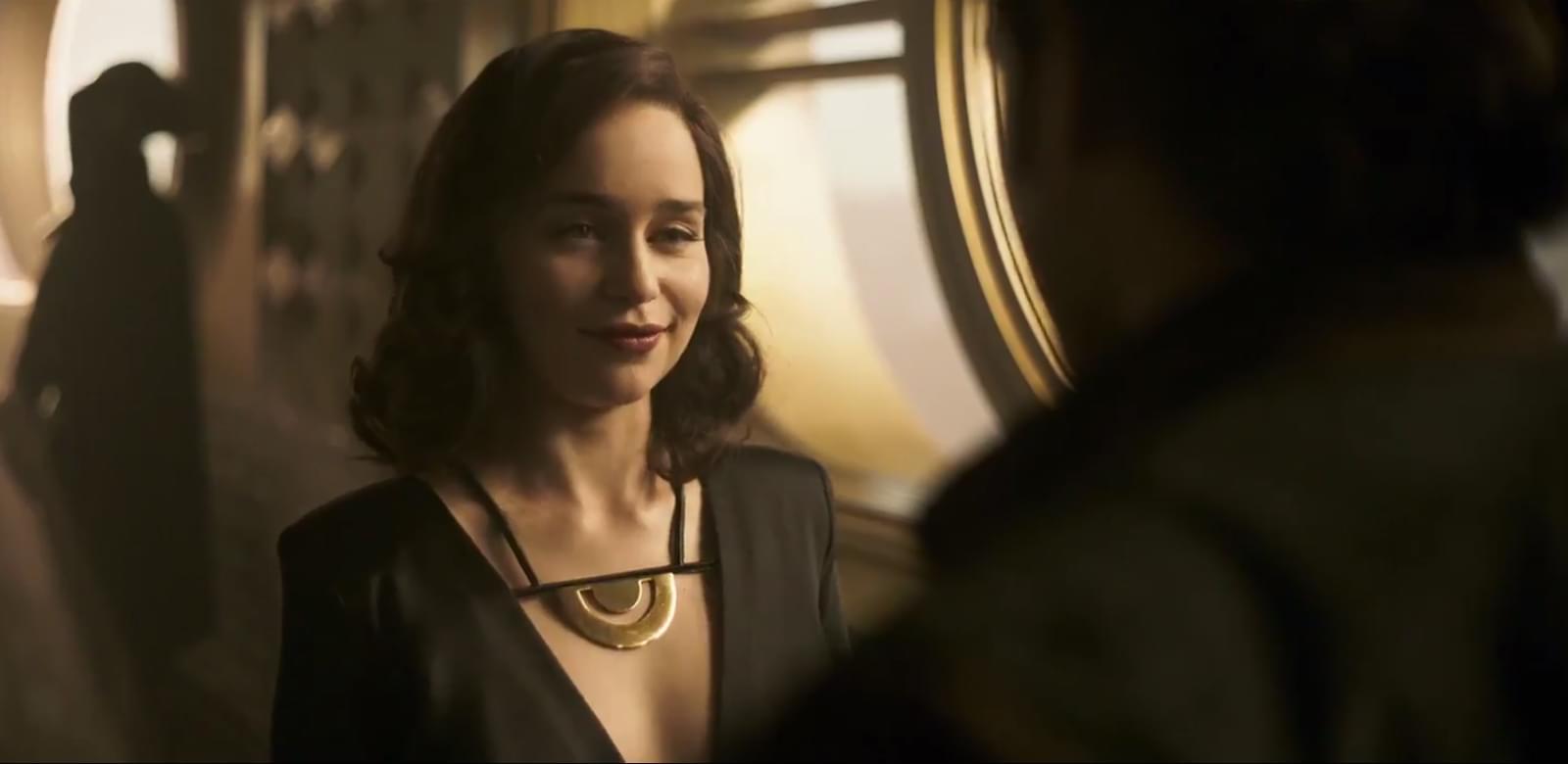 Emilia Clarke est Qi'ra dans Solo : A Star Wars Story