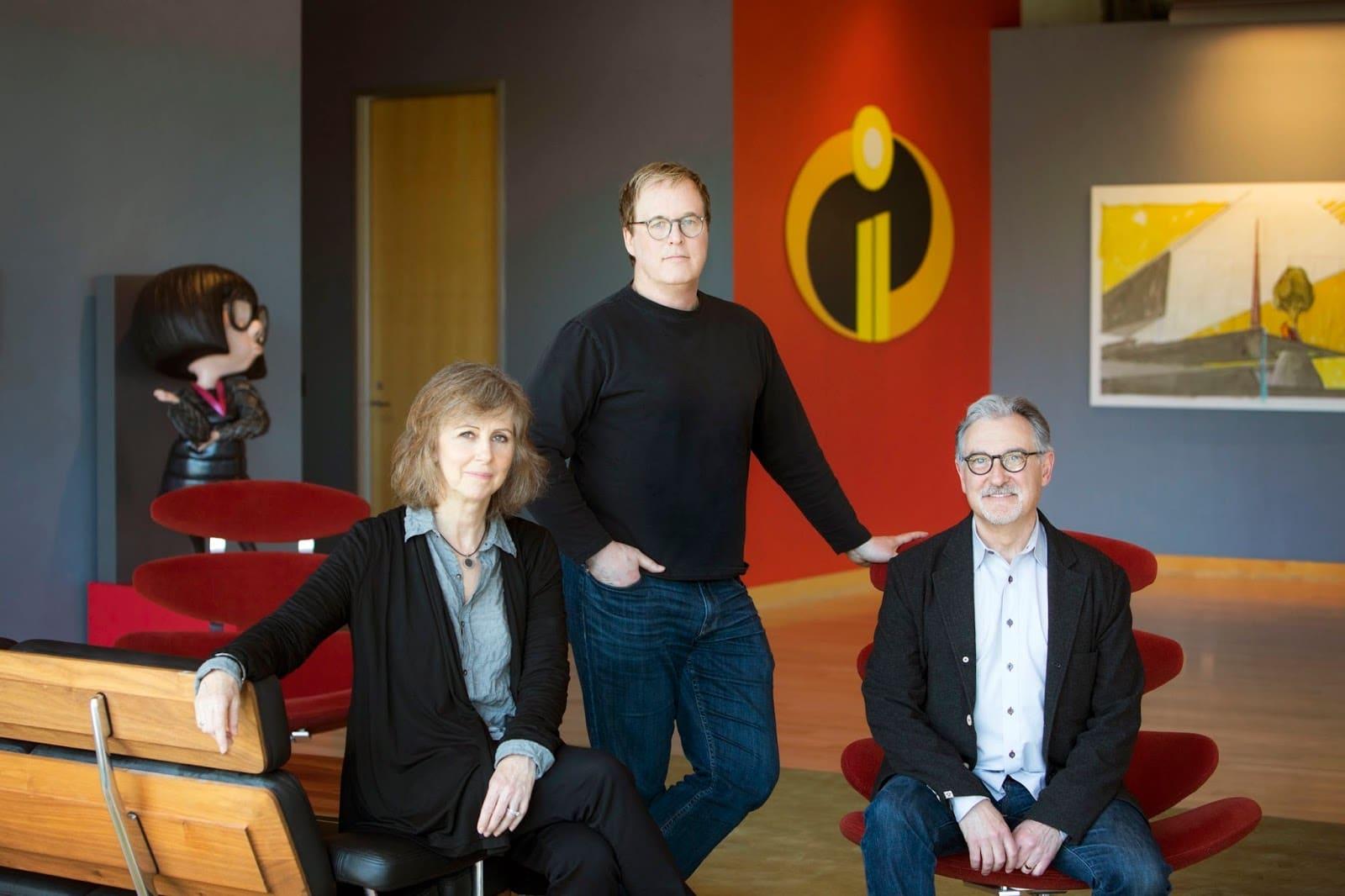 Le réalisateur des Indestructibles 2 Brad Bird et les producteurs John Walker et Nicole Grindle