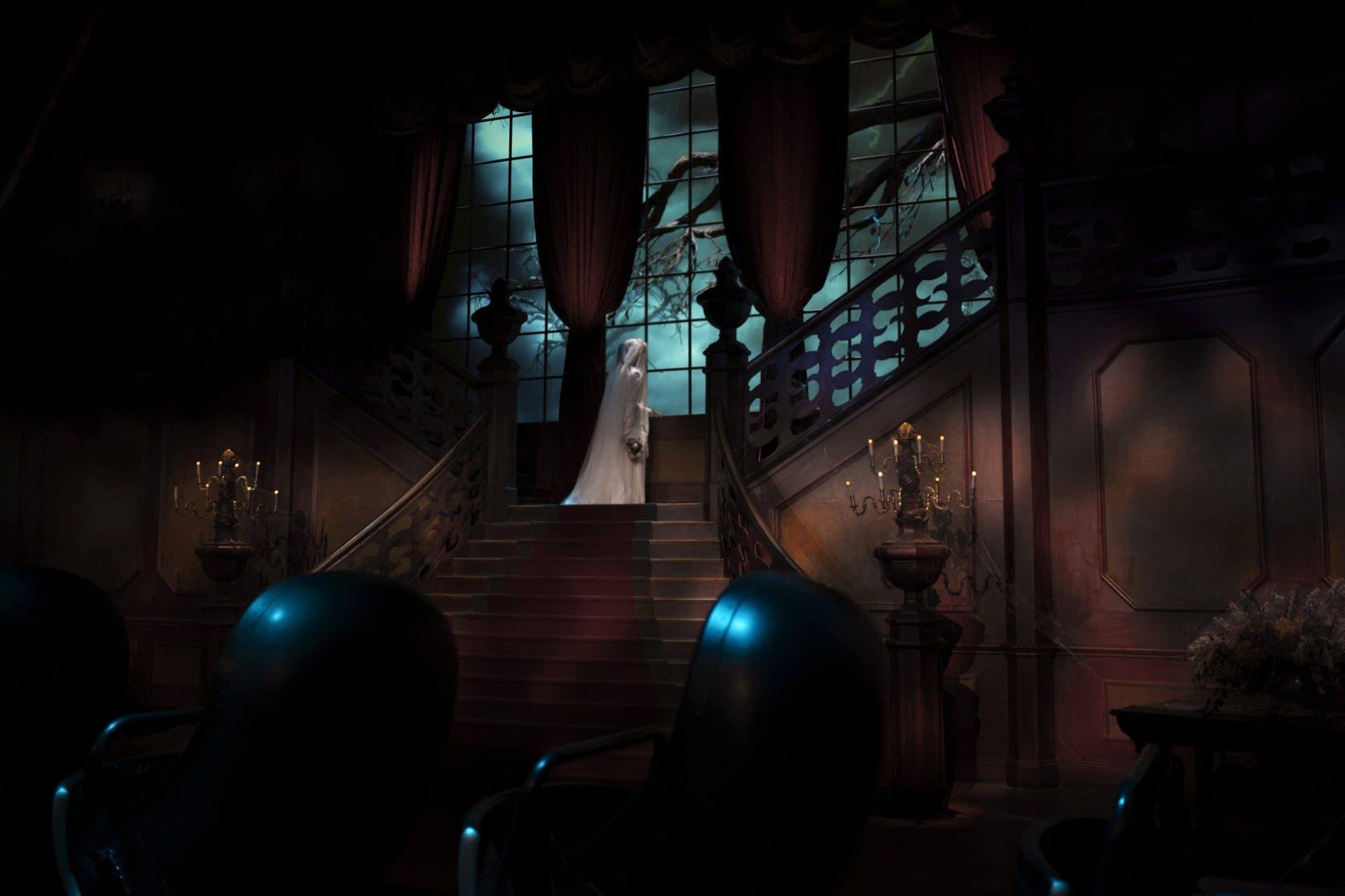 Melanie Ravenswood dans Phantom Manor